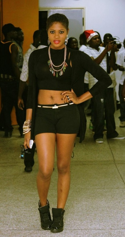 Star Shot: Eazzy spots new 2013 look!